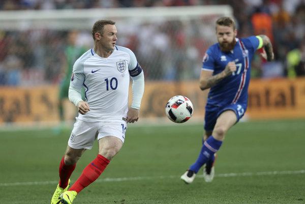 Wayne Rooney poslal Angličanov expresne rýchlo do vedenia. Albión však rovnako rýchlo o náskok prišiel.
