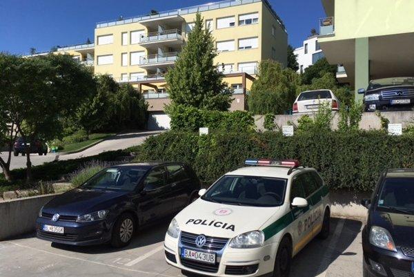 Komplex na Tupého ulici v Bratislave kde vlastní byt Ladislav Bašternák.