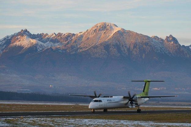 Letisko Poprad -Tatry má v zime priame spojenie aj s lotyšskou Rigou.