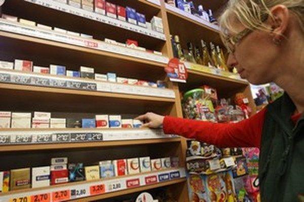 Ak podnikatelia termín nedodržia a budú predávať cigarety aj po stanovenom termíne, hrozí im uloženie pokuty.