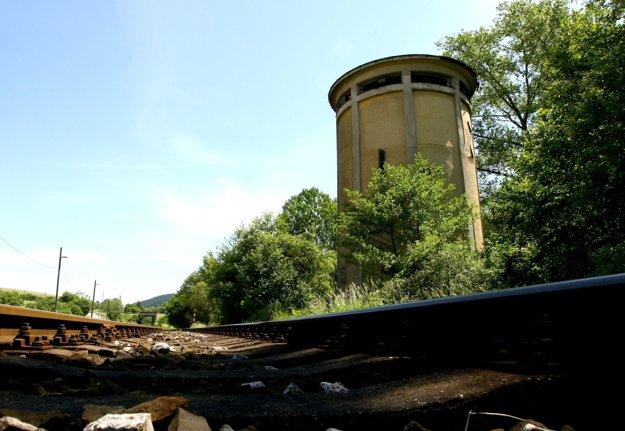 Vodojem v Medzibrode je dlhé desaťročia nevyužitý.