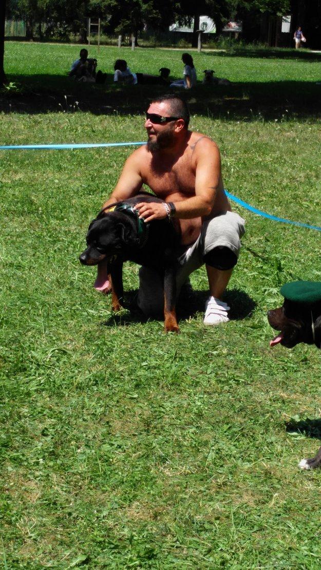 Víťazi kategórie naj podoba pána a jeho psa. No čo, podobajú sa? :)