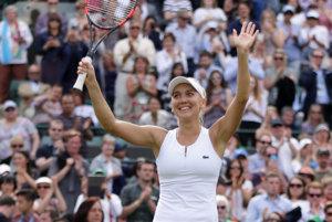 Jelena Vesninová slávi postup do semifinále.