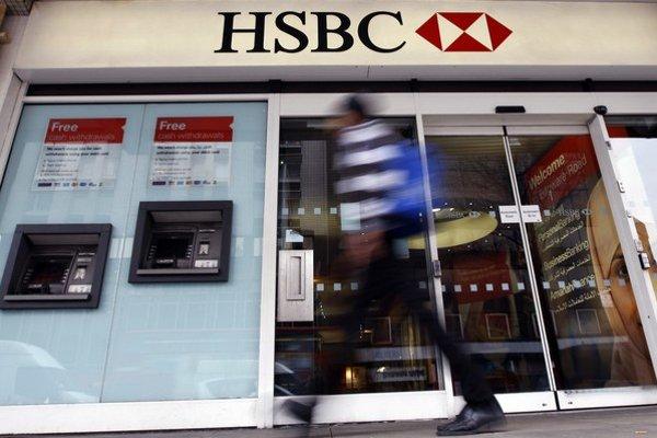 Švajčiarska pobočka britskej banky HSBC roky radila svojim klientom, ako schovať čierne peniaze.
