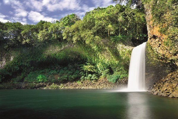 Vďaka tropickej klíme láka turistov najmä v jesenných a zimných mesiacoch.