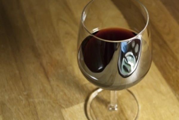 """""""Portské musí byť cítiť v žalúdku ako oheň, musí mať farbu atramentu, musí byť sladké ako cukor z Brazílie a aromatické ako korenie z Indie.""""<b>Charakteristika vinárov z Duora z roku 1754</b>"""