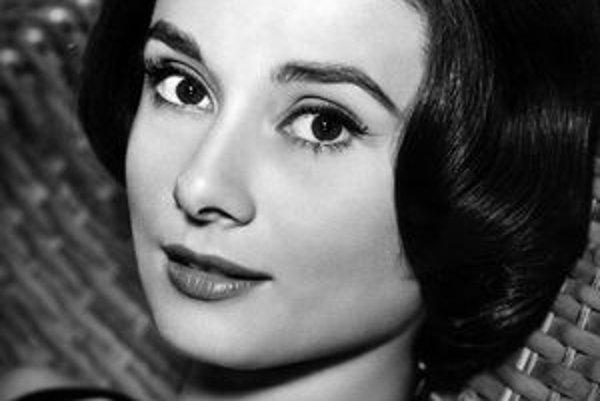Audrey Hepburn vo filme Love in the Afternoon