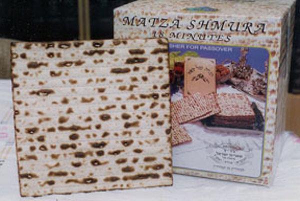 Maces je židovský nekvasený chlieb, ktorý nám svojou chuťou pripomína skôr krekry