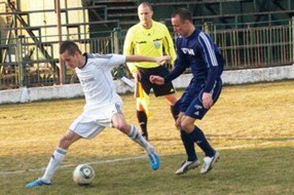 L. Kulich (v bielom) patril medzi najaktívnejších hráčov Vranova.