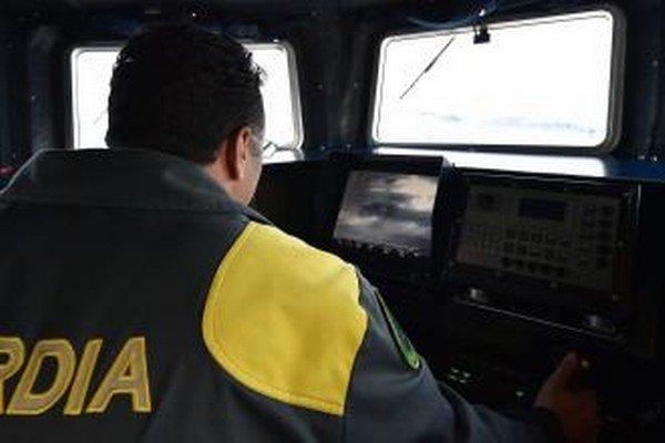Loď pobrežnej stráže, ktorú vyslala pohraničná agentúra EÚ Frontex.