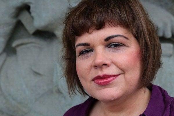 Júlia Mikolášiková alias Piraňa.