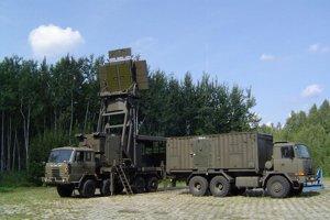 Vlastný radar vyrábajúaj Poliaci, tamojšia armáda má zatiaľ starší typ TRS-15.