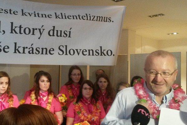 Radim Jančura tvrdí, že licenciu nedostali pre klientelizmus úradníkov.