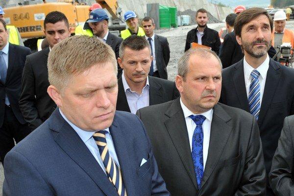 Robert Fico a Igor Choma (v popredí).