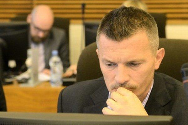 Minister Ján Počiatek hľadá poradcu na eurofondy.⋌ FOTO – TASR