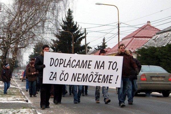 Tichý protest mestom po odpojení firmy Blika od dodávok elektriny zorganizovali zamestnanci a OZ KOVO pred štyrmi rokmi.
