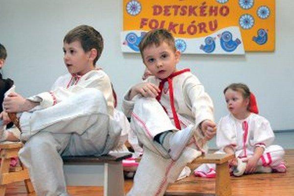 Malí folkloristi budú vystupovať 25. februára v Porube.