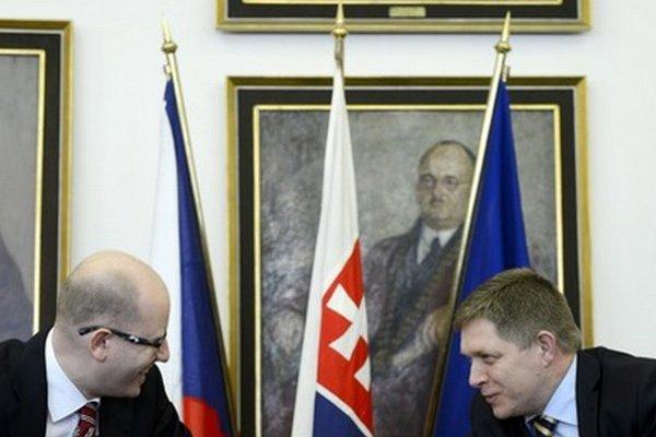Premiéri Česka a Slovenska na spoločnom rokovaní.