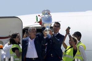 Oslavy si poriadne užil aj Cristiano Ronaldo (vpravo).