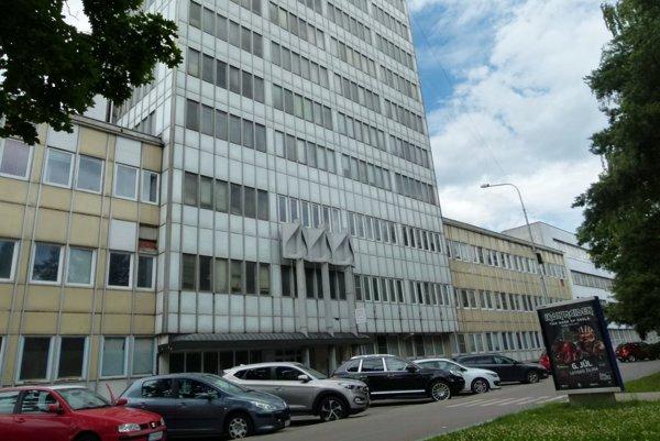 Do bývalaj budovy Neografie sa má presťahovať okresný úrad.