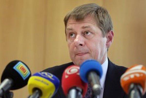 Miroslava Mikulčíka obvinili pre nefunkčný daňový systém.