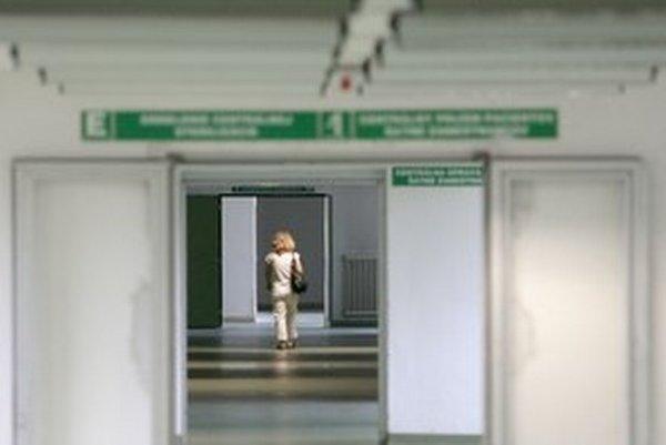 Nemocnice budú musieť splniť príkaz ministerky. Chce viac kontrolovať nákupy.