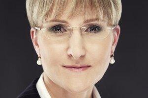Druhá žena Úradu pre verejné obstarávanie abdikovala pre nezhody