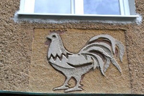 Výjavy, ktoré sú na domoch na sídlisku Píly musia zostať zachované aj po obnove fasády.