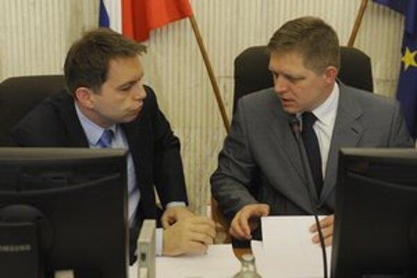 Premiér s ministrom financií už avizovali dodatočné rozpočtové opatrenia v druhej polovici roka.