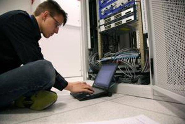 Okrem systému Windows či balíka Office chce štát kúpiť aj programy na správu sietí.