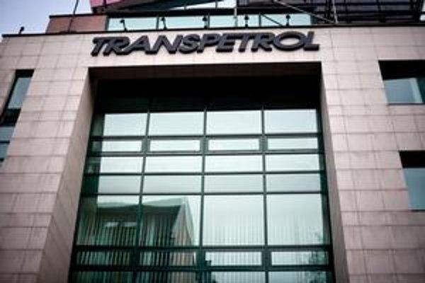 Celá transakcia spojená so spätným nákupom balíka akcií Transpetrolu stále nie je  uzatvorená.⋌  ILUSTRAČNÉ FOTO – SITA