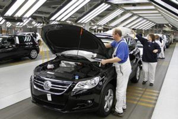 Nemecké výrobné podniky počas krízy znižovali náklady a zvýšili produktivitu.