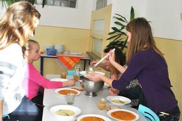 Deti rady jedia vyprážané jedlá. Zachutili im aj jedlá z rýb.