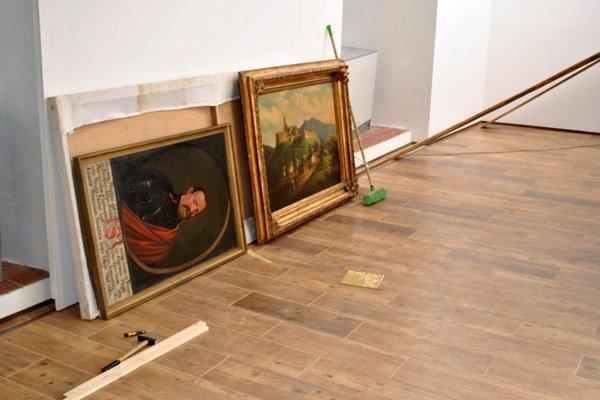 Zbierky. Z Ľubovnianskeho múzea vybrali na digitalizáciu 358 kusov.