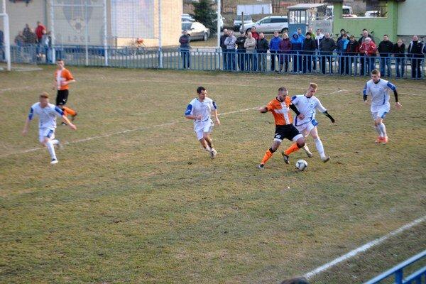 Tesná výhra. Tatranci v bielom podľahli Plavnici gólom jej jediného strelca Aleša Ševčoviča, novej posily do útoku.