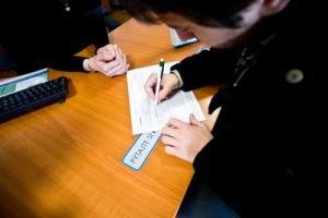 Poisťovňa môže pomôcť iba v rámci svojich možnosti. Potrebujete doklady o príjmoch a výdavkoch.