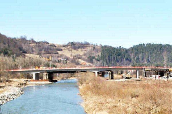 Most. Vodiči ho môžu využívať od týchto dní.