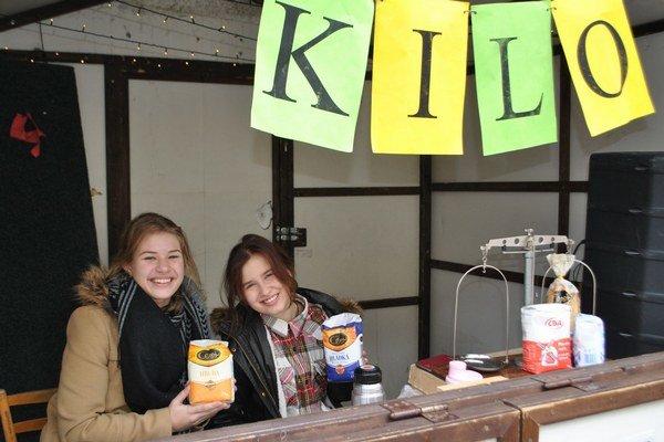 Akcia Kilo. Študenti pomáhajú dobrovoľne aj takýmto spôsobom.