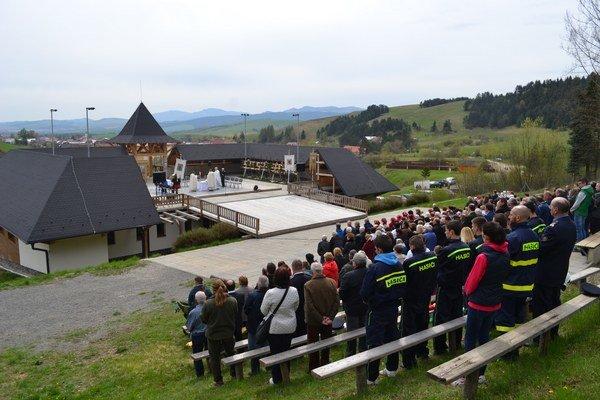 Oslavy výročia obce vKamienke. Oslavovali sedemsté narodeniny, podľa zistení historikov si na skutočné výročie musia počkať.