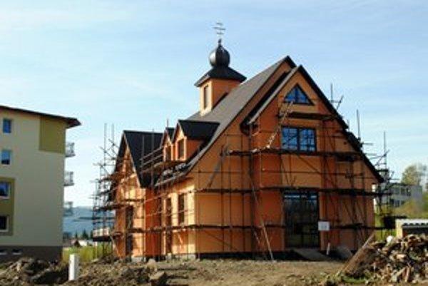 Gréckokatolícky chrám. Budujú ho na sídlisku Východ.