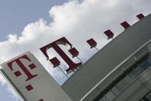 Nemecký koncern Deutsche Telekom chce rokovať s ministerstvom hospodárstva o vyplatení dividend zo zisku Slovak Telekomu.