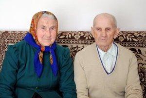 Jubilanti Mária a Andrej žijú krásnych 65 rokov v manželstve.