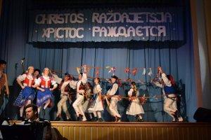 Tradičné zvyky. V programe nechýbali tance a spevy.