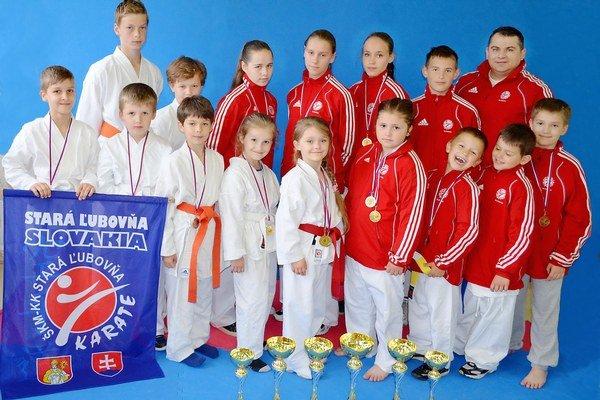 ŠKM Karate klub St. Ľubovňa s medailovou žatvou.