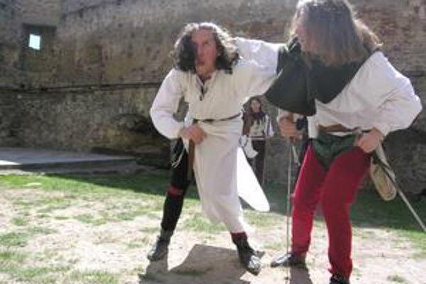 Staroľubovnianski herci predviedli pri scénkach svoje umenie.