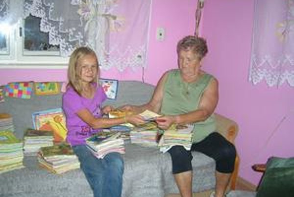Klaudia so starou mamou Annou. Tá verí, že vnučke sa splní sen o Guinnessovej knihe rekordov.