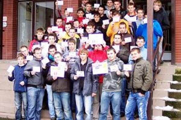 Študenti. Zapojili sa do celosvetového projektu.