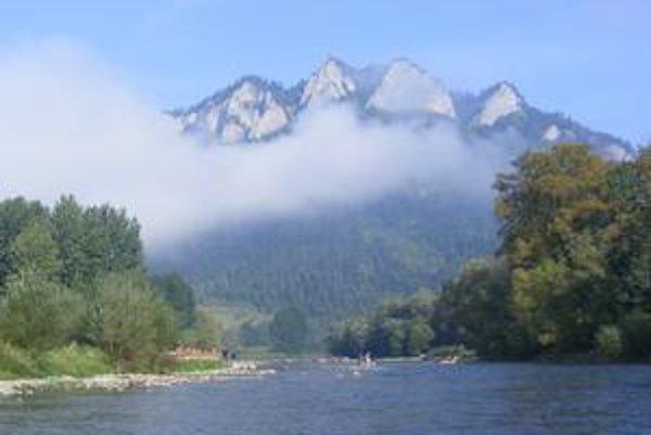 Pieniny sú nádherné, plavba po Dunajci nezabudnuteľný zážitok pre turistov.