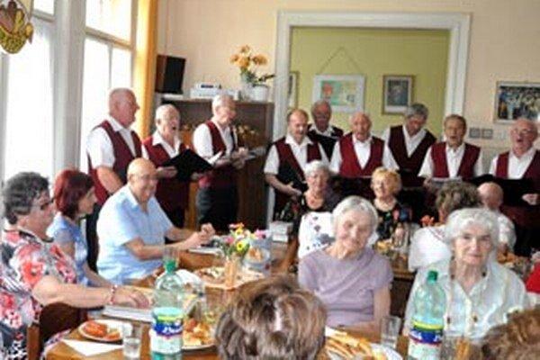Bôbari sa stretli na spoločnom podujatí, oslávili aj jubilantov.