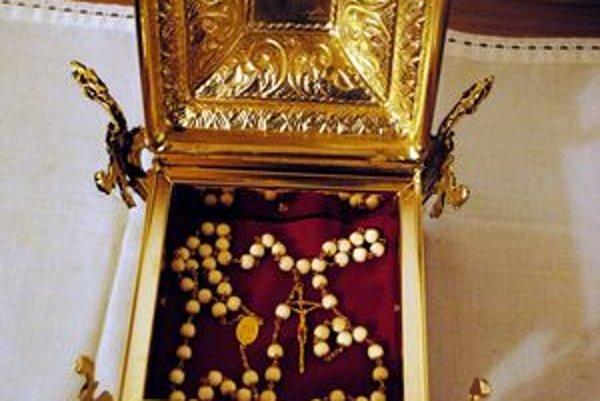 Svätý ruženec od pápeža sa po jeho blahorečení stal automaticky relikviou.